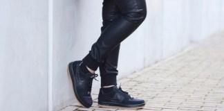Sneakers Hitam Pria