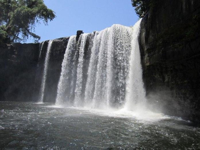 Wisata di Pontianak - Air Terjun Riam Merisap