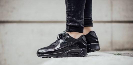 model sneakers hitam wanita terbaik