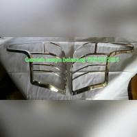 Garnish lampu belakang Triton 2016 / Mitsubishi TRITON 2016