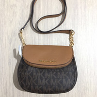 Tas Michael Kors Bedford Flap Crossbody Sign Brown