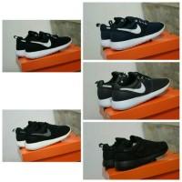 Sepatu kets pria Nike Rosh Run Sol original made in vietnam(running)