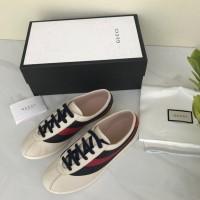 bee30f0b291 Sepatu Gucci Sneaker Bee Low Top With Web PUTIH CREAM Mirror 2018