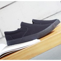 Sepatu Slip On Casual Pria Bahan Canvas Gaya Korea