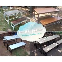 set 1 Meja makan dan 2 kursi cafe resto bar atau rumah