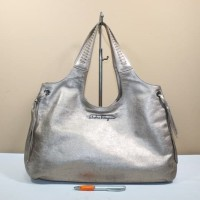 Tas wanita branded SALVATORE FERRAGAMO SF136 bronze second original