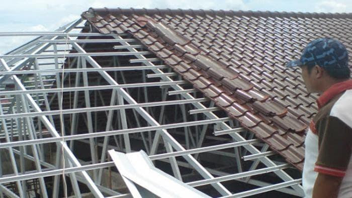 kontraktor baja ringan jakarta jual konstruksi renovasi atap rumah lama