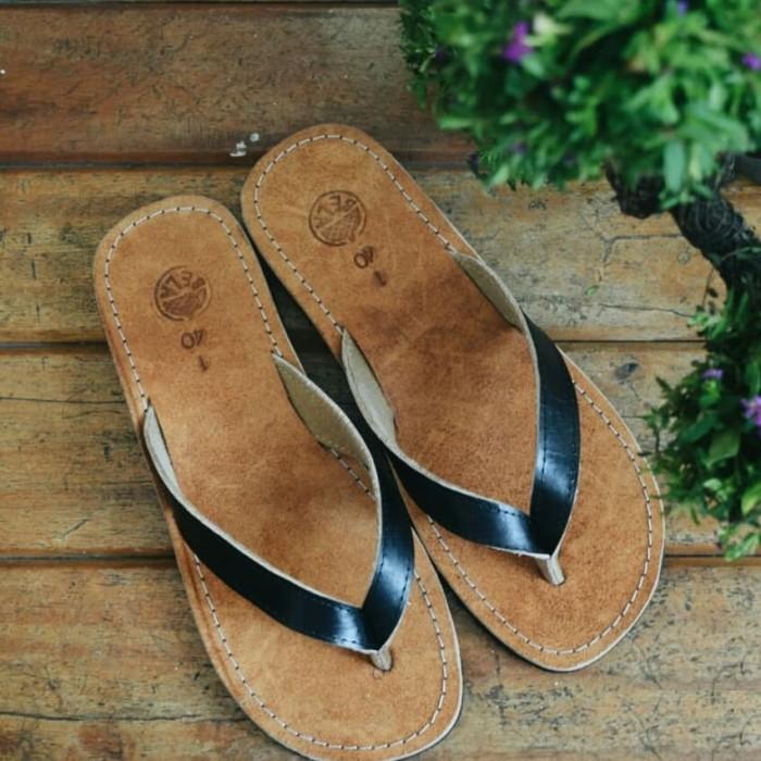 Gambar Sandal Kulit wanita Kado Ulang Tahun