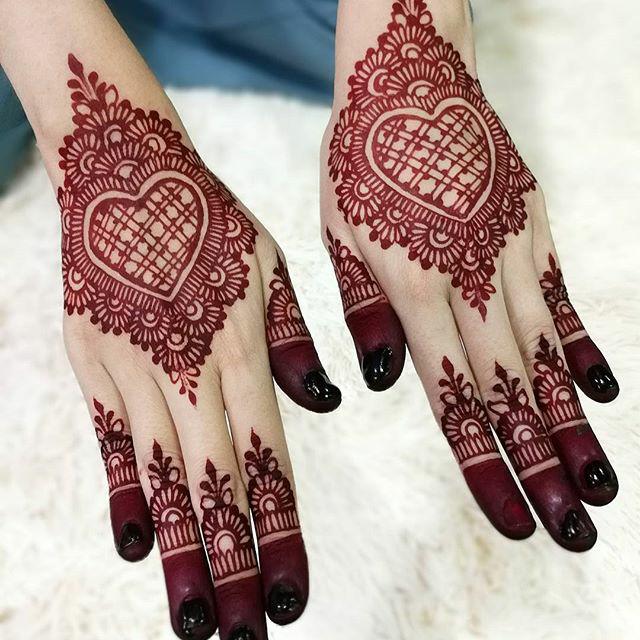 Henna Tangan Pengantin