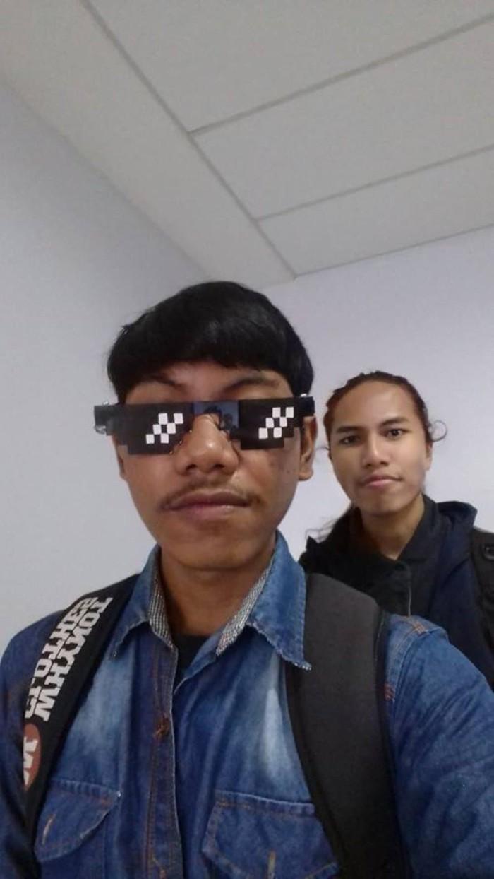 Kacamata Thug Life Png : kacamata, Banyak, Cari!