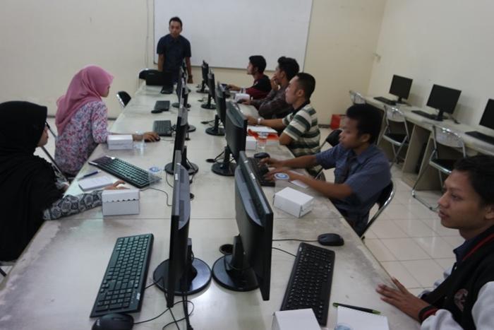 Tokopedia Goes To Campus: Berbagi Pengalaman Di Universitas Kanjuruhan Malang