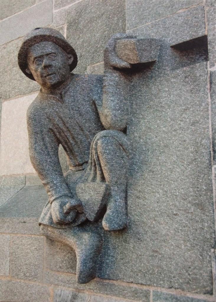 Postcard of stone dude at Nidaros