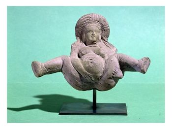 egyptian-ptolemaic-period-statuette-of-a-woman-giving-birth-given-to-pregnant-women-for-a-successful-delivery-1177154