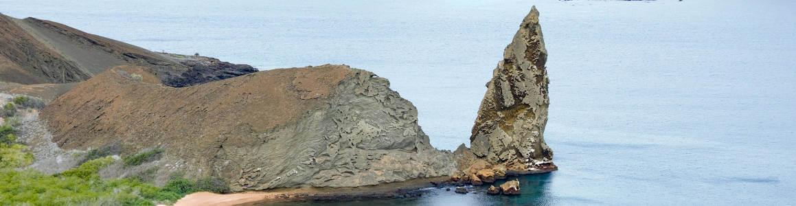 Isla Bartolomé con la Roca Pináculo.