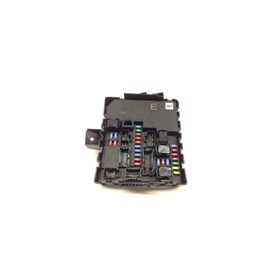 medium resolution of nissan armada fuse box
