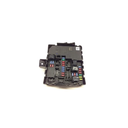 small resolution of nissan armada fuse box