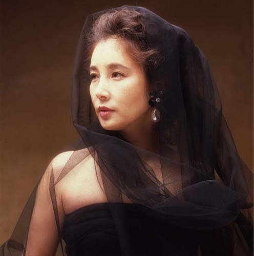「すこし愛して,なが〜く愛して」とても美しい女優さんでした,大原麗子。 - Middle Edge(ミドルエッジ)