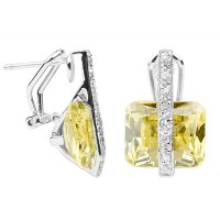 Canary Diamond Earrings to Color Your World