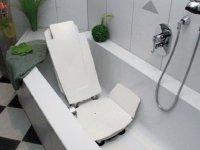 Badehilfen fr Senioren - Sicherheit fr ein wohltuendes Bad