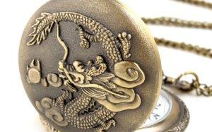 ALIENWOLF Unisex Antique Case Vintage Brass Rib Chain Quartz Pocket Watch