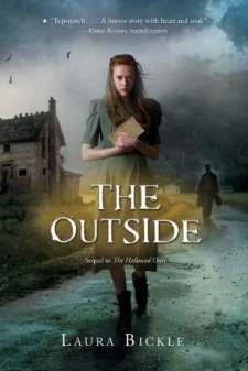 The Outside (Hallowed Ones) by Laura Bickle| wearewordnerds.com