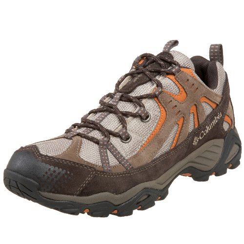 Running Shoe With Multi Directional Tread Pattern