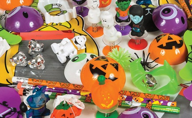 Halloween Toy And Novelty Assortment 50 Pc Free