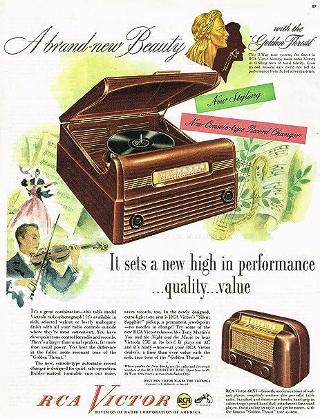 1946 RCA Victor Victrola Radio Photograph Vintage Ad