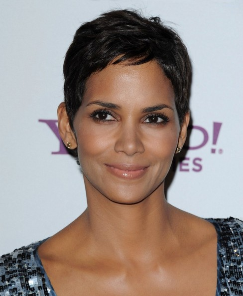 Halle Berry short hairstyle for those with scalp eczema