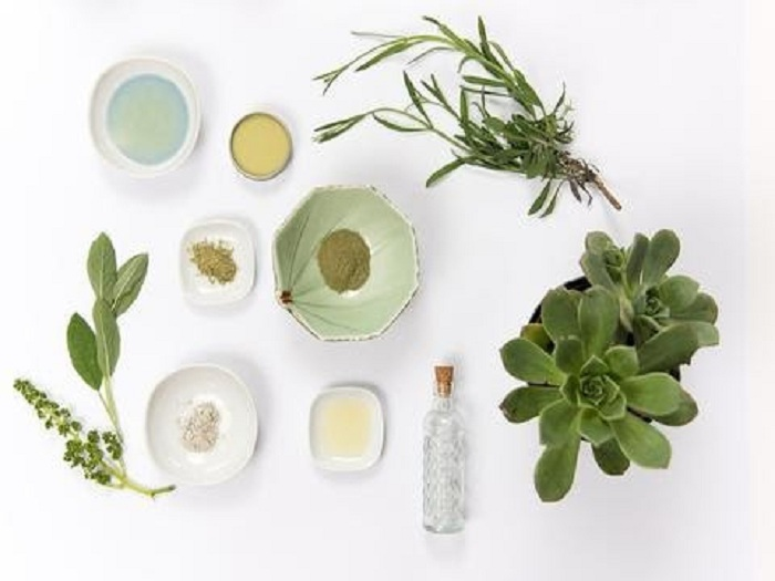 Natural ingredients for dry skin