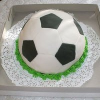 """Торт """"Футбольный мяч"""" с вишней"""