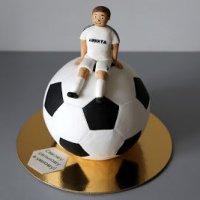 """Как сделать и оформить торт """"Футбольный мяч"""" (шар). МК"""