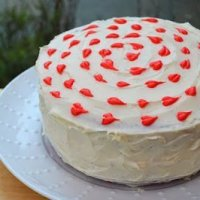 Украшение торта кремовыми сердечками (МК)