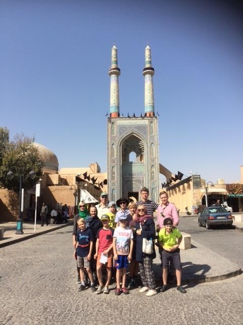 3 meest, 3 naist ja 7 koolipoissi Iraani avastamas