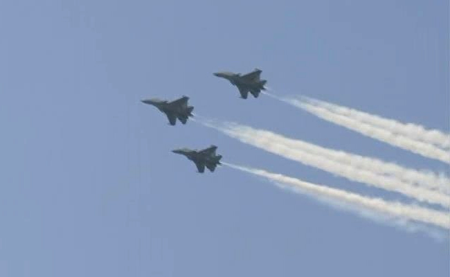 Air Force's Flypast Over Delhi's Rajpath To Thank Coronavirus Warriors 2