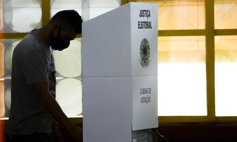 Eleitor pode justificar falta no 1º turno até quinta-feira