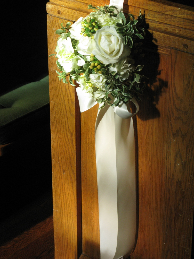 Pew Flowers For Wedding Wedding Flowers 2013