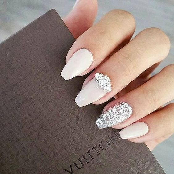 Dive Into This Wedding Nails Art Gallery Before Your Big Day