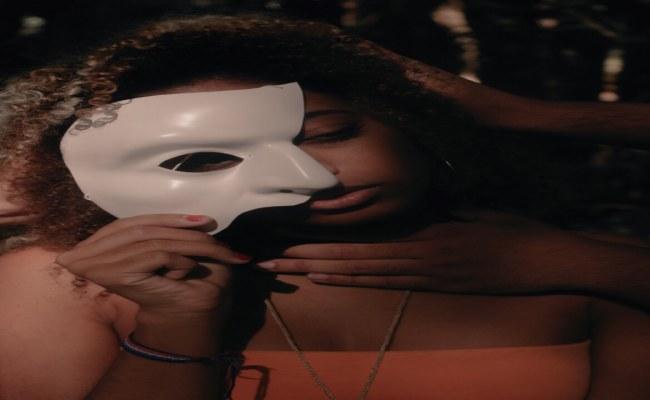 Maskeler Edebi Ritim