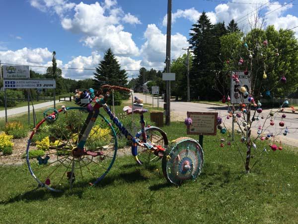 P'tit Train du Nord - Knit Bicycle in Lac-des-Écorces