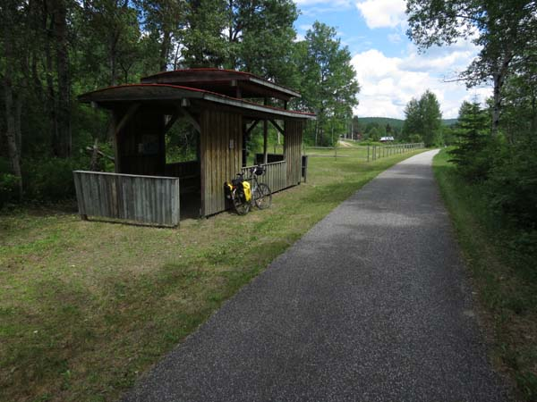 P'tit Train du Nord - Rest Shelter on the Trail