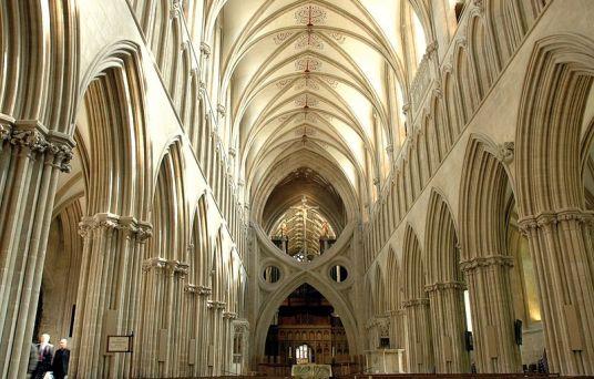 Interior de La catedral de wells, Arco tijera en la nave