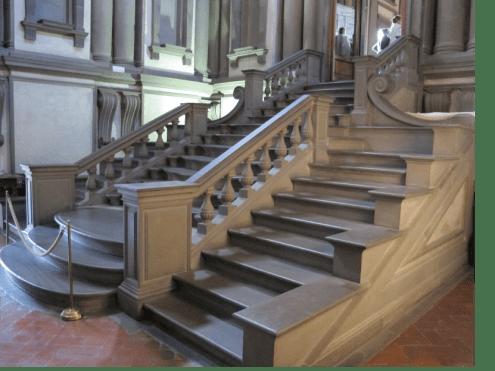 Miguel Ángel, Escalera de la biblioteca laurentiana (Florencia) construida para albergar manuscritos de Lorenzo el Magnífico.