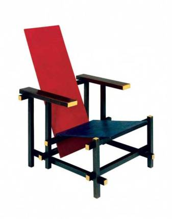 Gerrit Thomas Rietveld, Silla roja y azul ,1918, estricta configuración geométrica, considerada como el primer ensayo tridimensional neoplasticista.