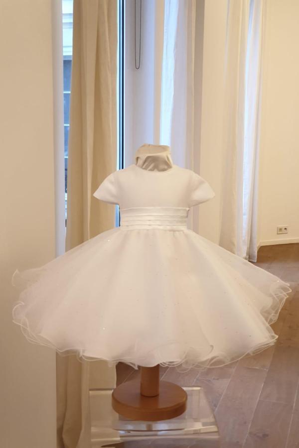 Robe diamant blanche manche courte 125 euro