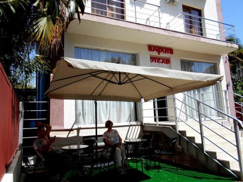 Здание отеля Амрита Сухум