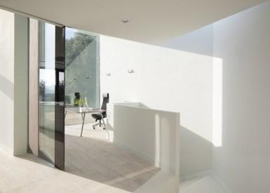 House-YC-by-RTA-Office_dezeen_784_4