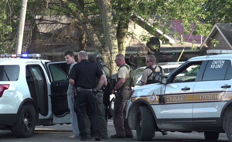 Video: Police Standoff ends in arrest (Marshall, IL