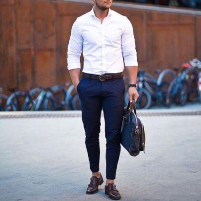 quels sont les essentiels du vestiaire masculin ? chemise blanche homme