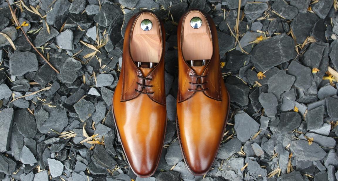 Les crafteurs des chaussures de ville en cuir